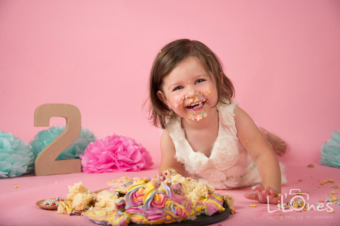 A Cake Smash Session Is Wonderful Way To Celebrate Your Little Ones 1st Or 2nd Birthday Capturing Adorable Baby Having Their With